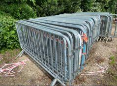 Interlocking metal crowd control barriers x 25
