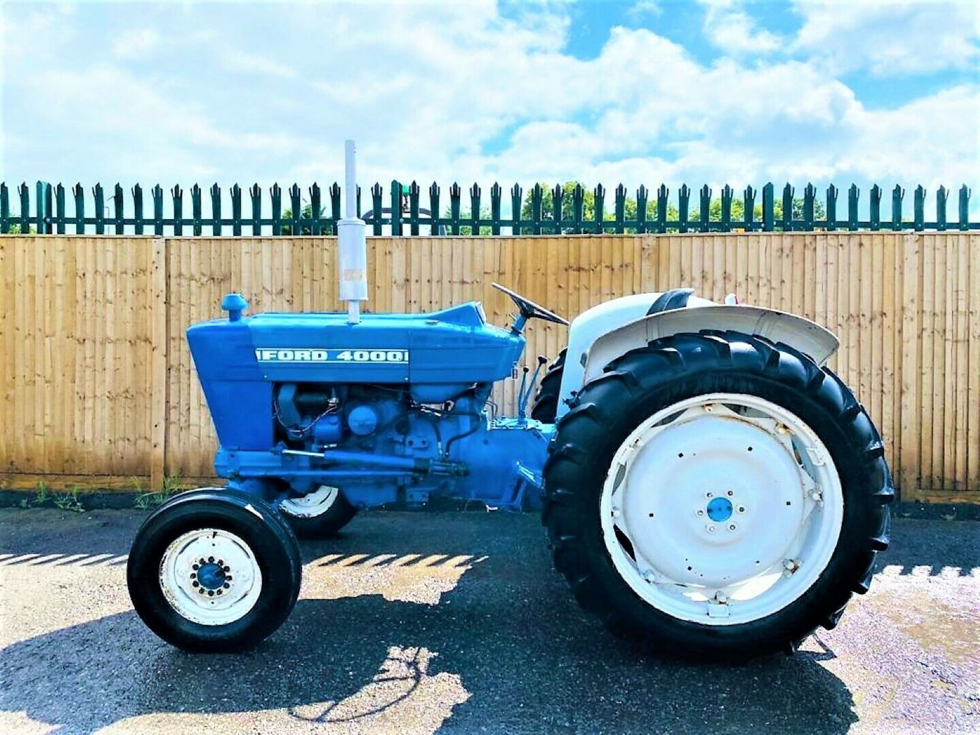 Ford 4000 Tractor 1969 - Image 2 of 12