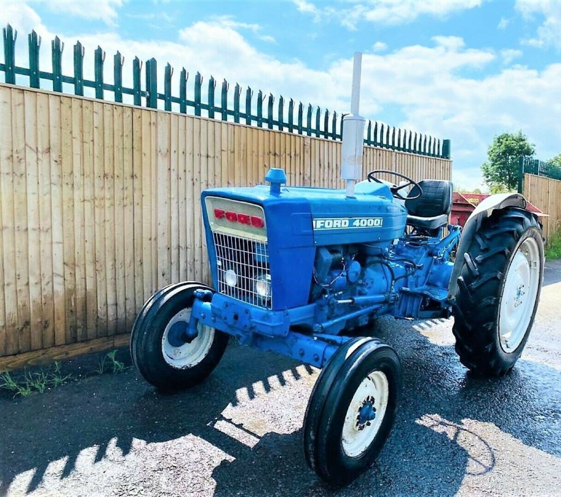 Ford 4000 Tractor 1969 - Image 4 of 12