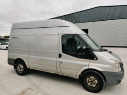 ENTRY DIRECT FROM LOCAL AUTHORITY FORD Transit YR59AMU