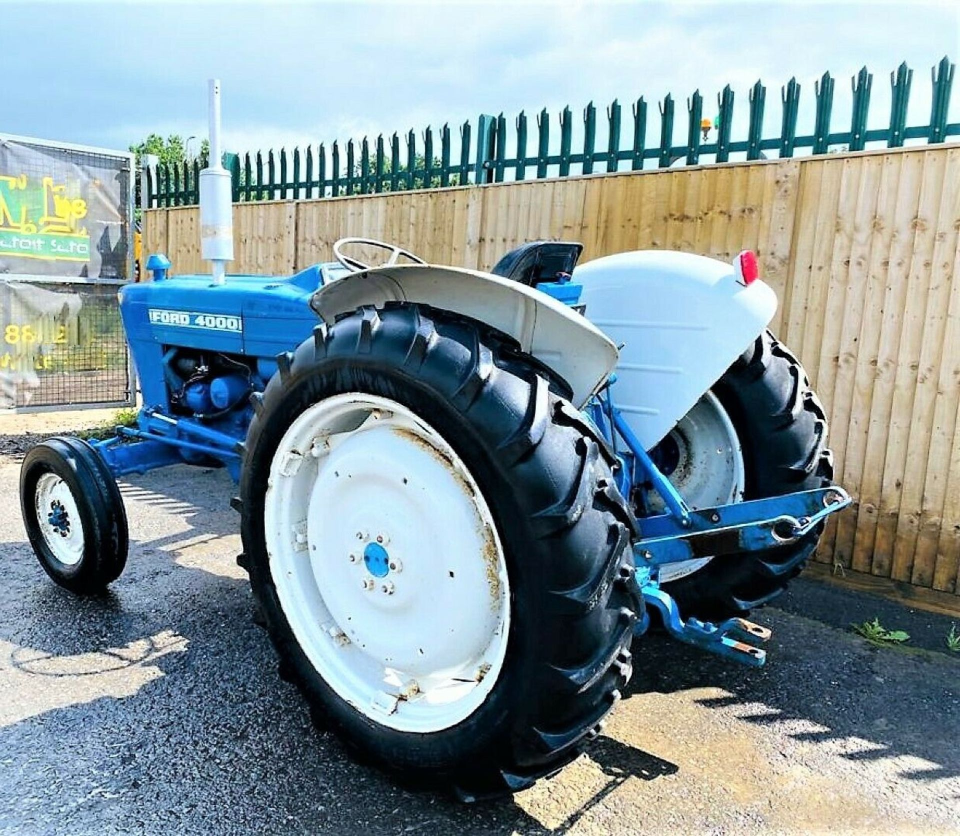 Ford 4000 Tractor 1969 - Image 7 of 12