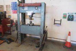 Tecalemit Hydraulic Garage Press