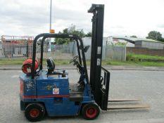 Cat Caterpillar V35 fork lift 1.75 ton forklift truck