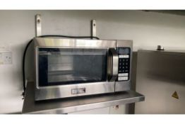Buffalo microwave oven
