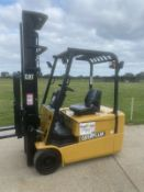 Cat 2 Tonne Electric forklift truck