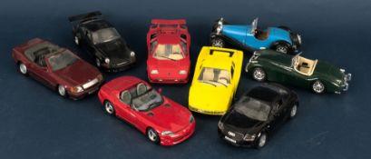 8teiliges Konvolut versch. Auto-Modelle, versch. Hersteller, Größen, Materialie