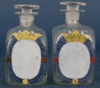 """Paar Deckelflaschen/Apothekerflaschen (?). """"Antike"""" Abrissgläser frontal mit in"""