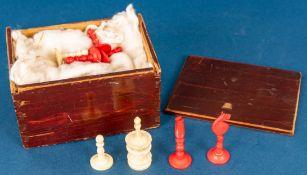 32teiliger SCHACH-Spielfiguren-Satz, bestehend aus 16 roten und 16 weißen Spiel