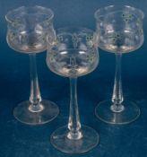 3 elegante Weingläser, Jugendstil um 1900/20, aus gleicher Serie/Satz, minimal