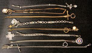 8teilige Sammlung versch. Taschenuhrenketten. Versch. Alter, Längen, Materialie