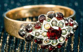 Antiker Damenring, 333er Gelbgold, mit Granat & Saatperlenbesatz, Ringinnendur