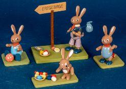 """4 verschiedene Hasenfiguren (z. B. Wanderer, Hase mit Entchen) der Firma """"KWO"""""""