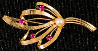 585er Gelbgold-Schleifenbrosche mit Rubinsplitter- & Perlenbesatz, Länge ca. 5,