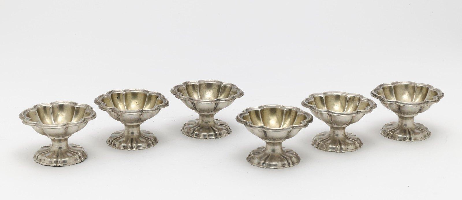 Six spice bowls