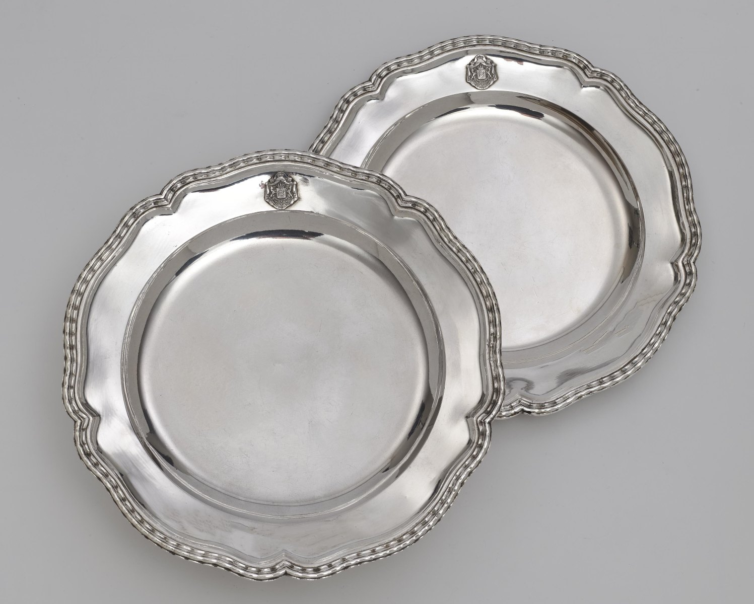 """Two plates from the so-called """"Bamberg Service"""" ATTENTION Lot 3-6 will be sold after lot 67"""
