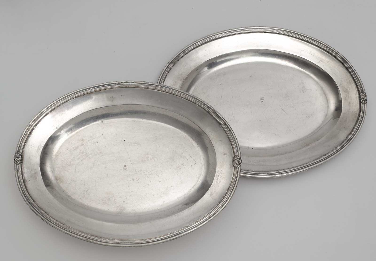 Two lidded tureens and a pair of oval platters - Image 2 of 2