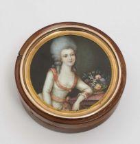 """Dose mit Bildnisminiatur wohl der """"Duchesse de Polignac"""""""