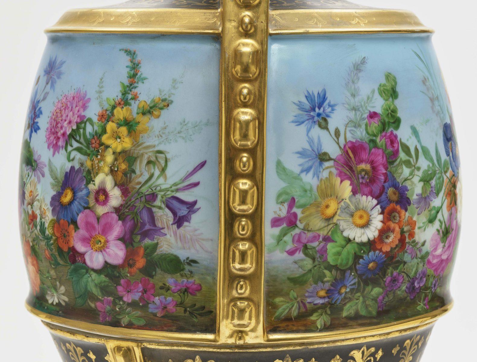 "Dreiteiliger ""Persischer"" Vasensatz mit ""fleurs en terrasse""-Dekor - Image 9 of 15"
