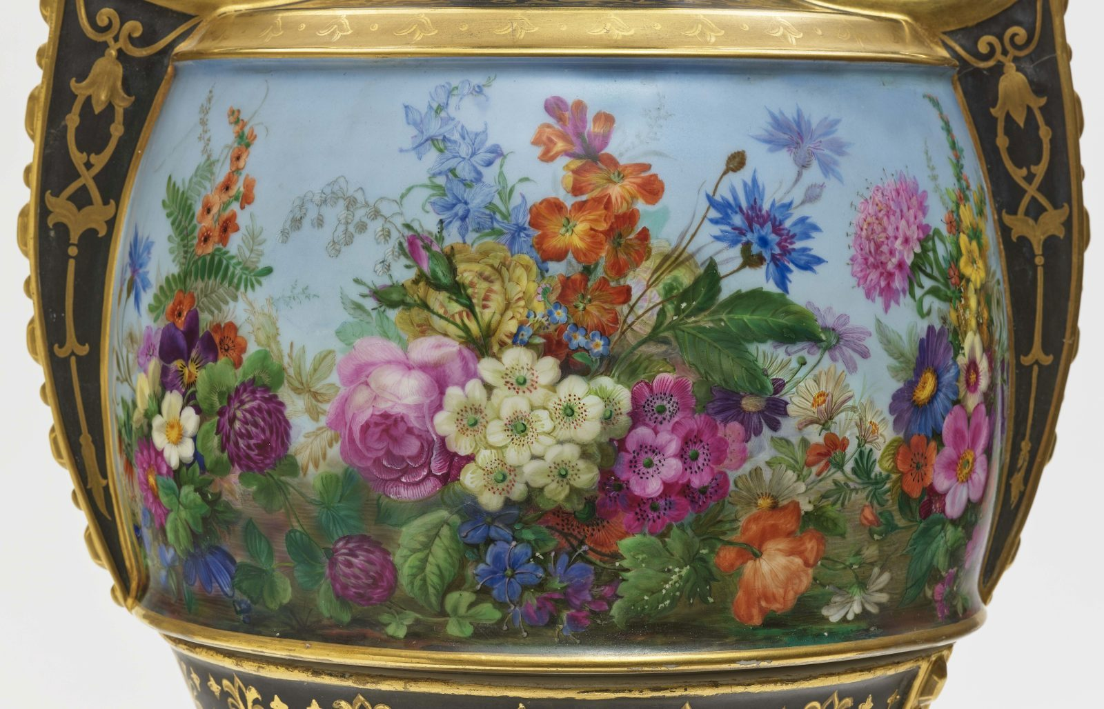 "Dreiteiliger ""Persischer"" Vasensatz mit ""fleurs en terrasse""-Dekor - Image 8 of 15"