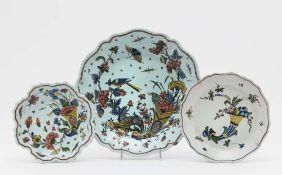 Terrine, runde Platte und Teller