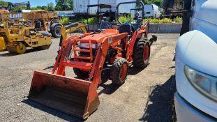 Kubota L2800 Tractor