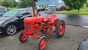 1953 Massey Fergsuon Antique Tractor