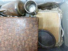 A quantity of silver plate, including a Walker and Hall carving board (qty)