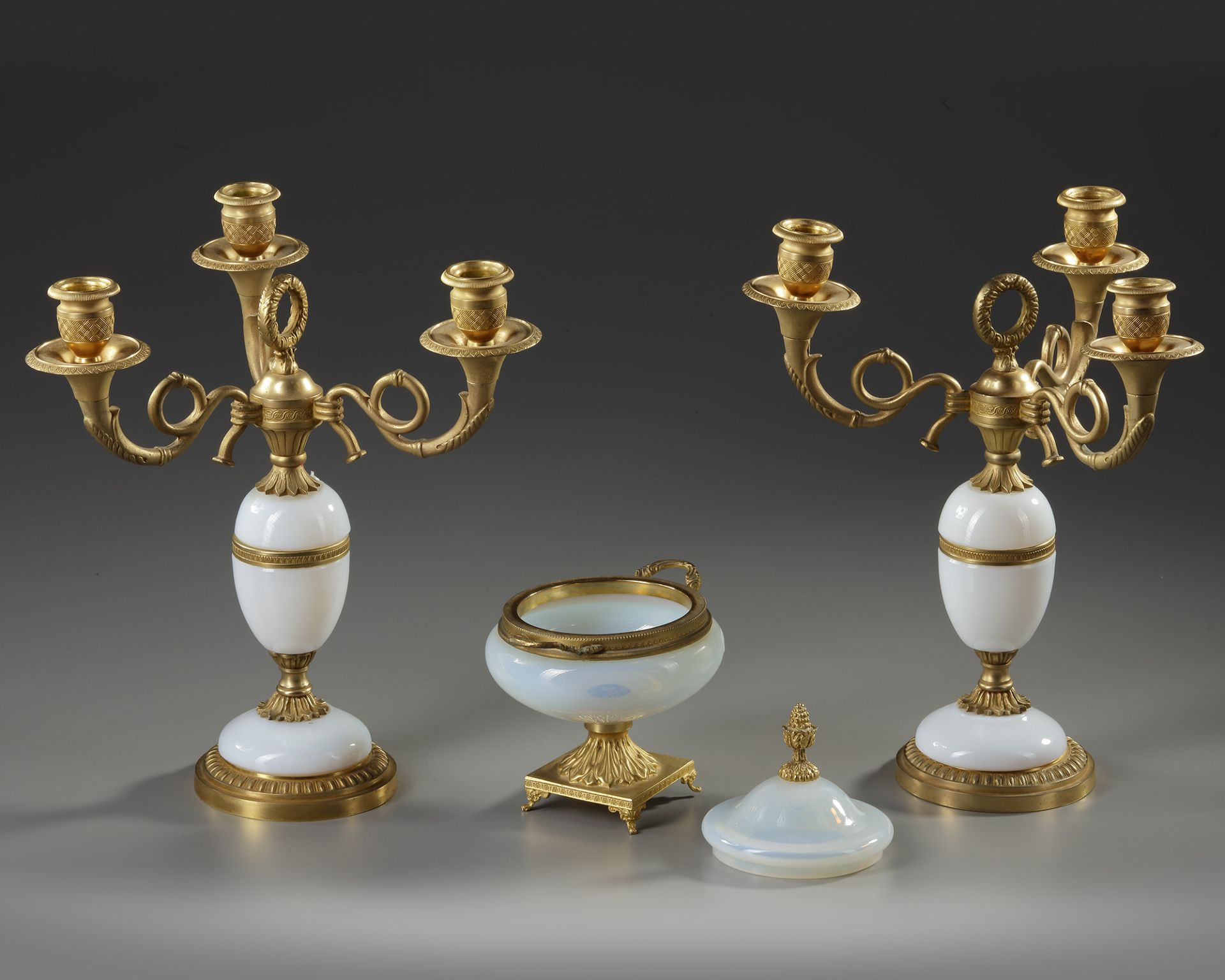 A WHITE OPALINE AND ORMOLU SET, CHARLES X, 19TH CENTURY - Image 3 of 3