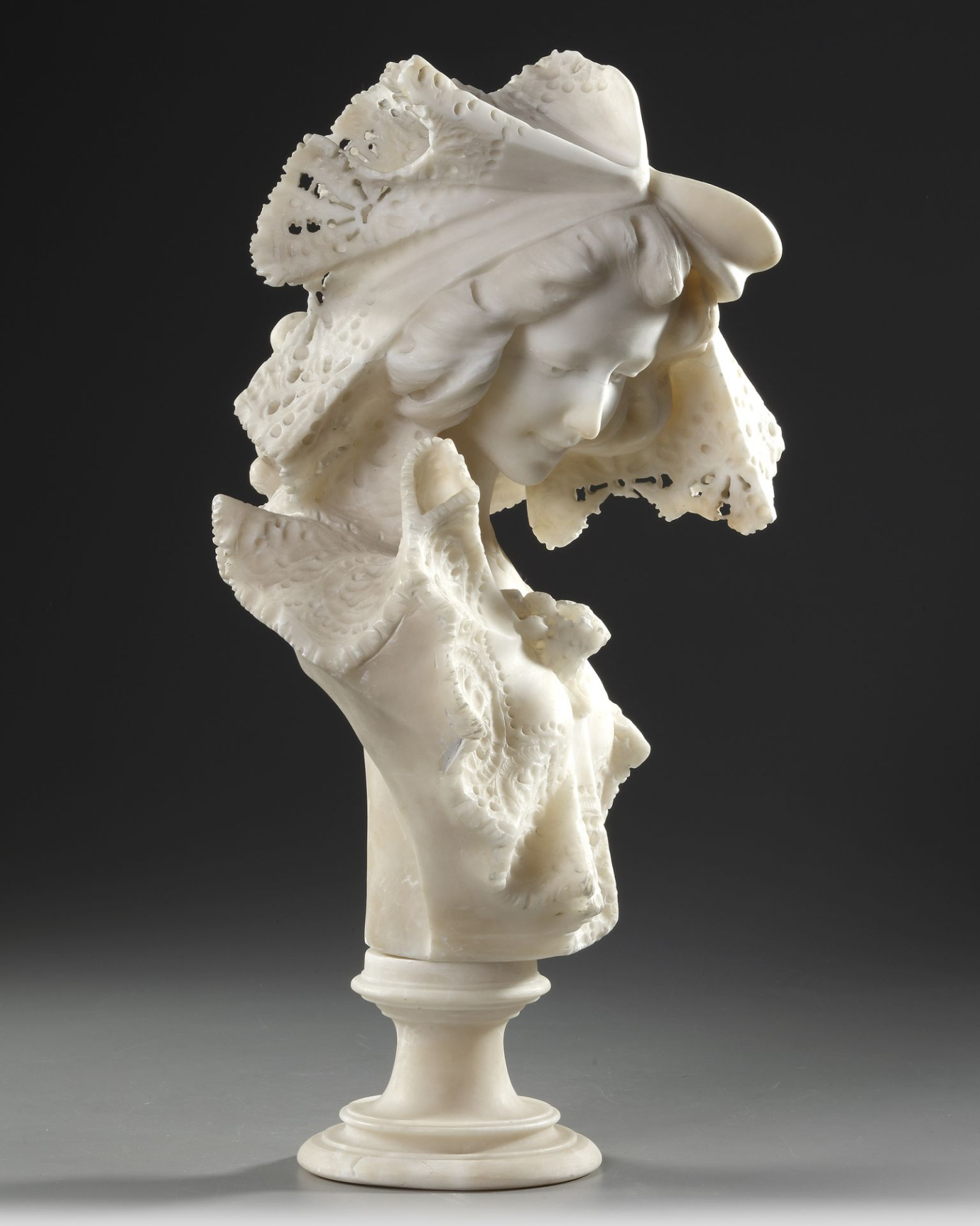 AN ALABASTER BUSTE, LATE 19TH CENTURY - Image 3 of 5