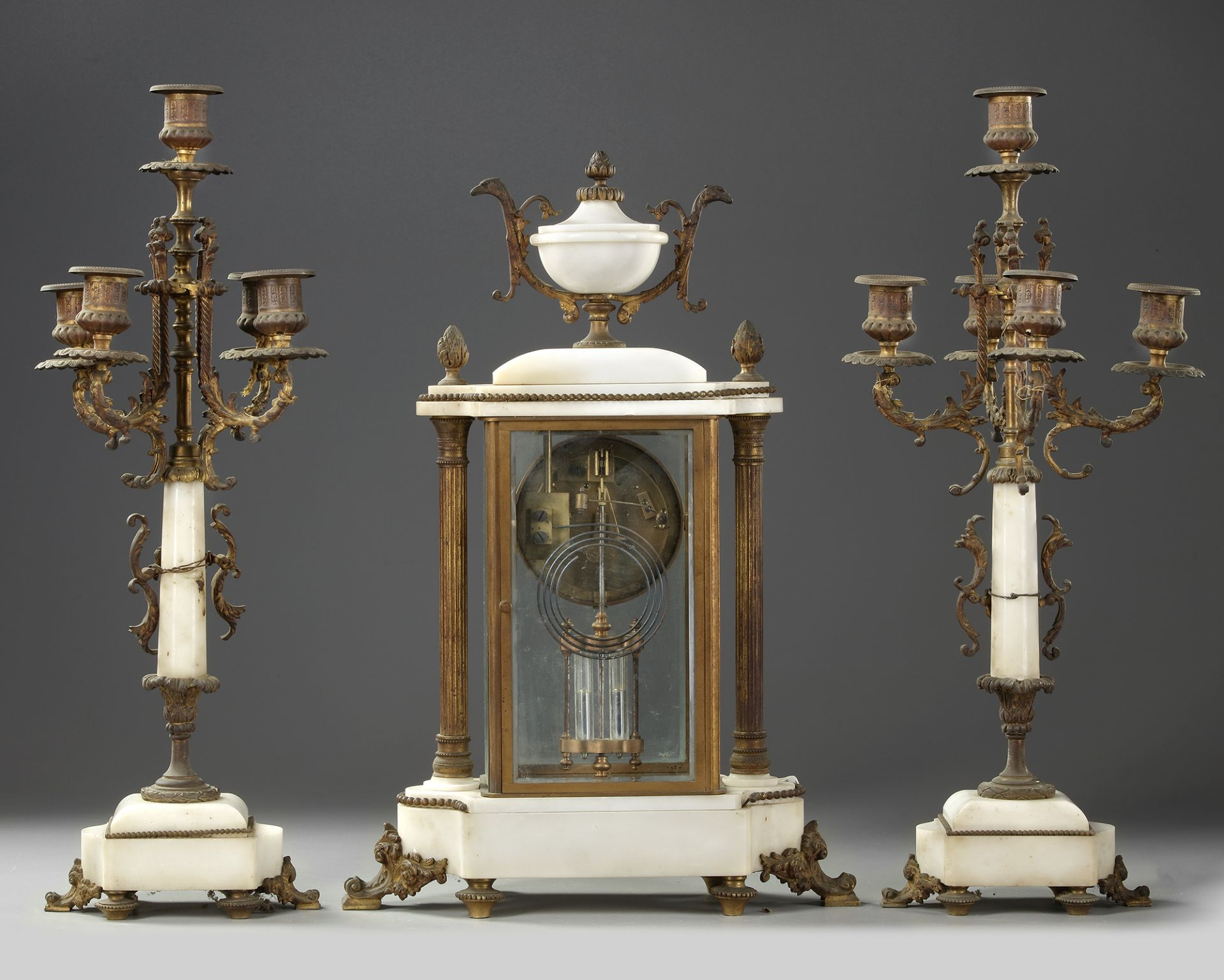 A FRENCH CLOCK SET, LATE 19TH CENTURY - Image 4 of 5