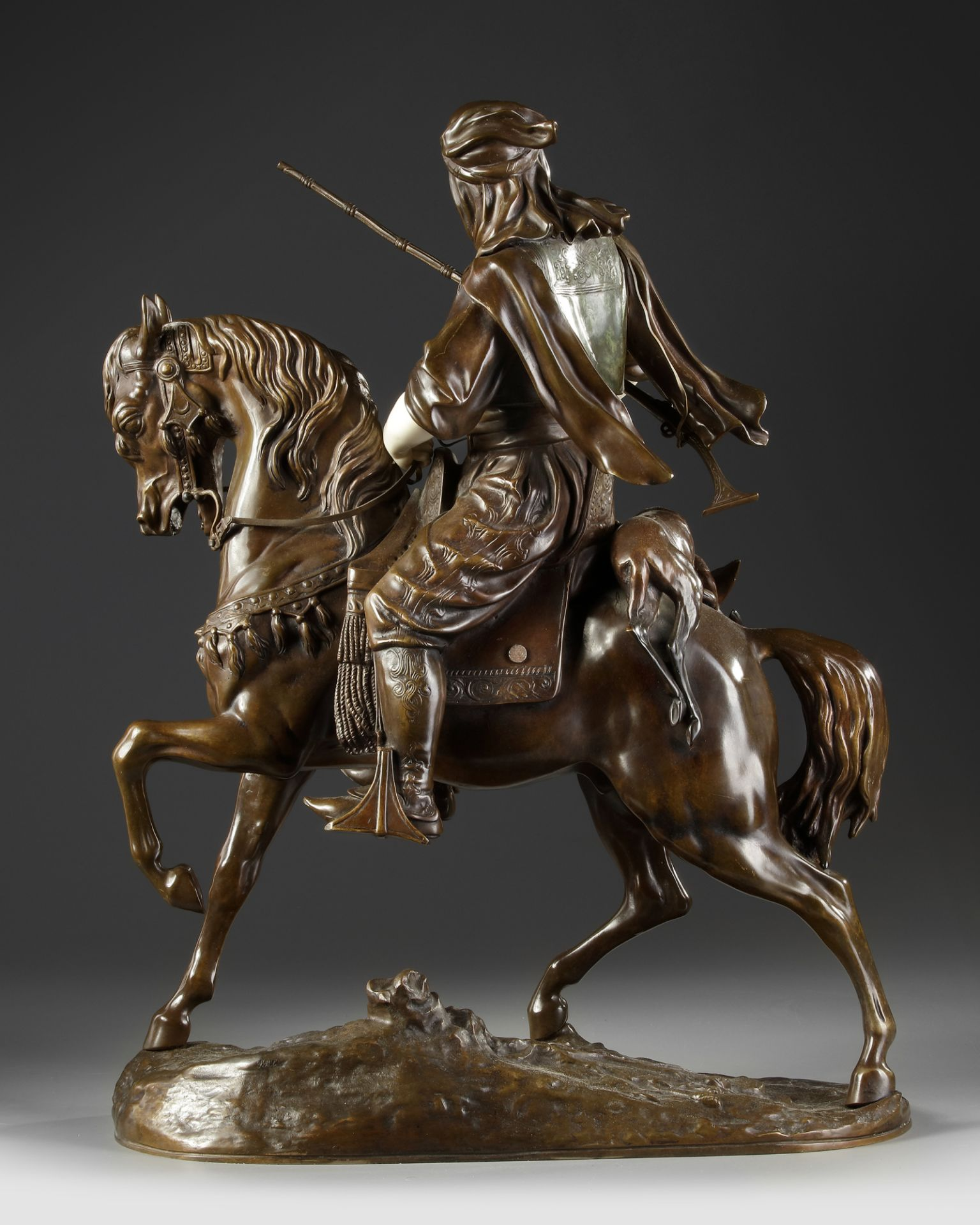 A SUPERB BRONZE SCULPTURE BY ALFRED BARYE AND EMILE GUILLEMIN, 19TH CENTURY - Image 3 of 7