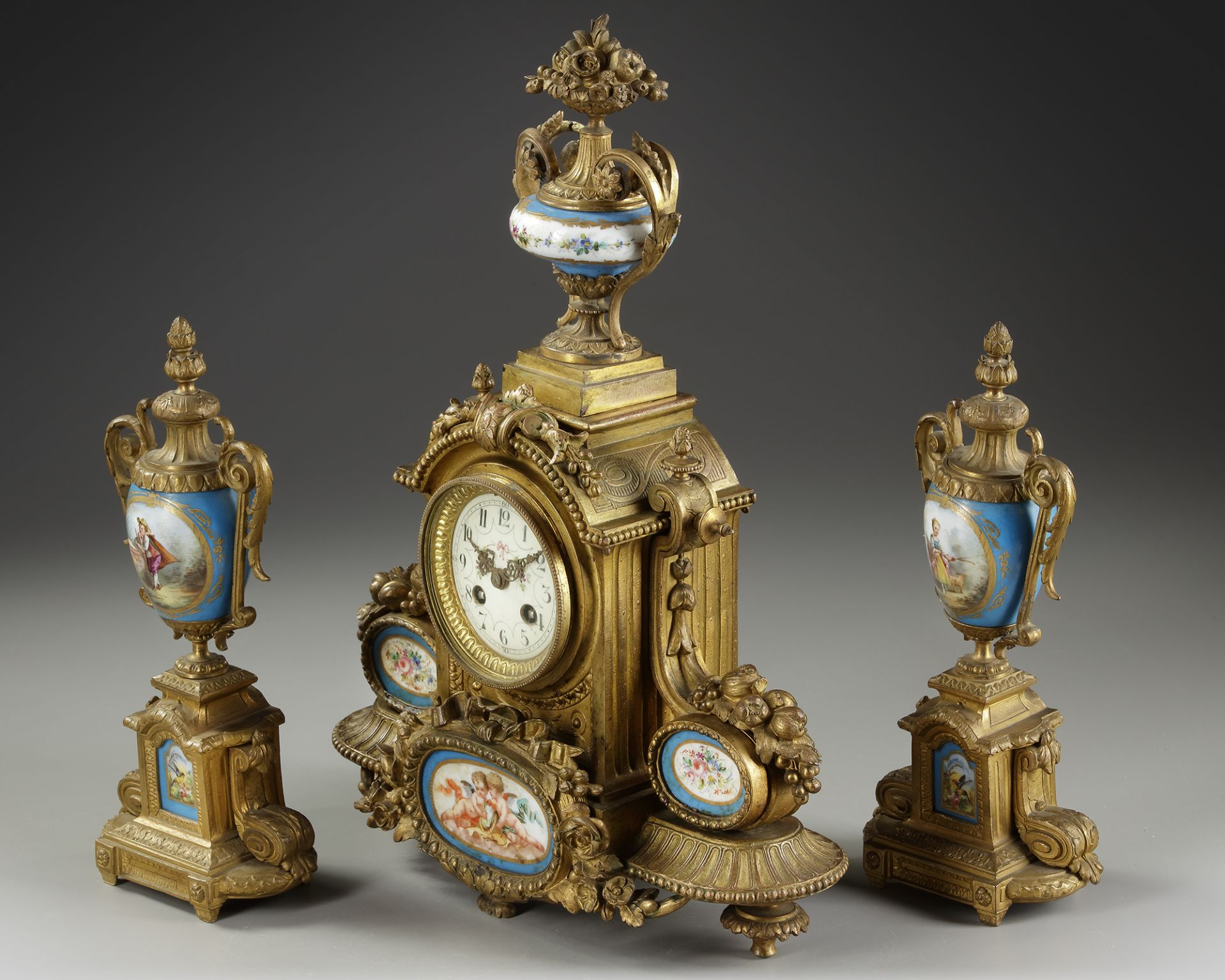 A FRENCH CLOCK SET, 19TH CENTURY - Image 2 of 3
