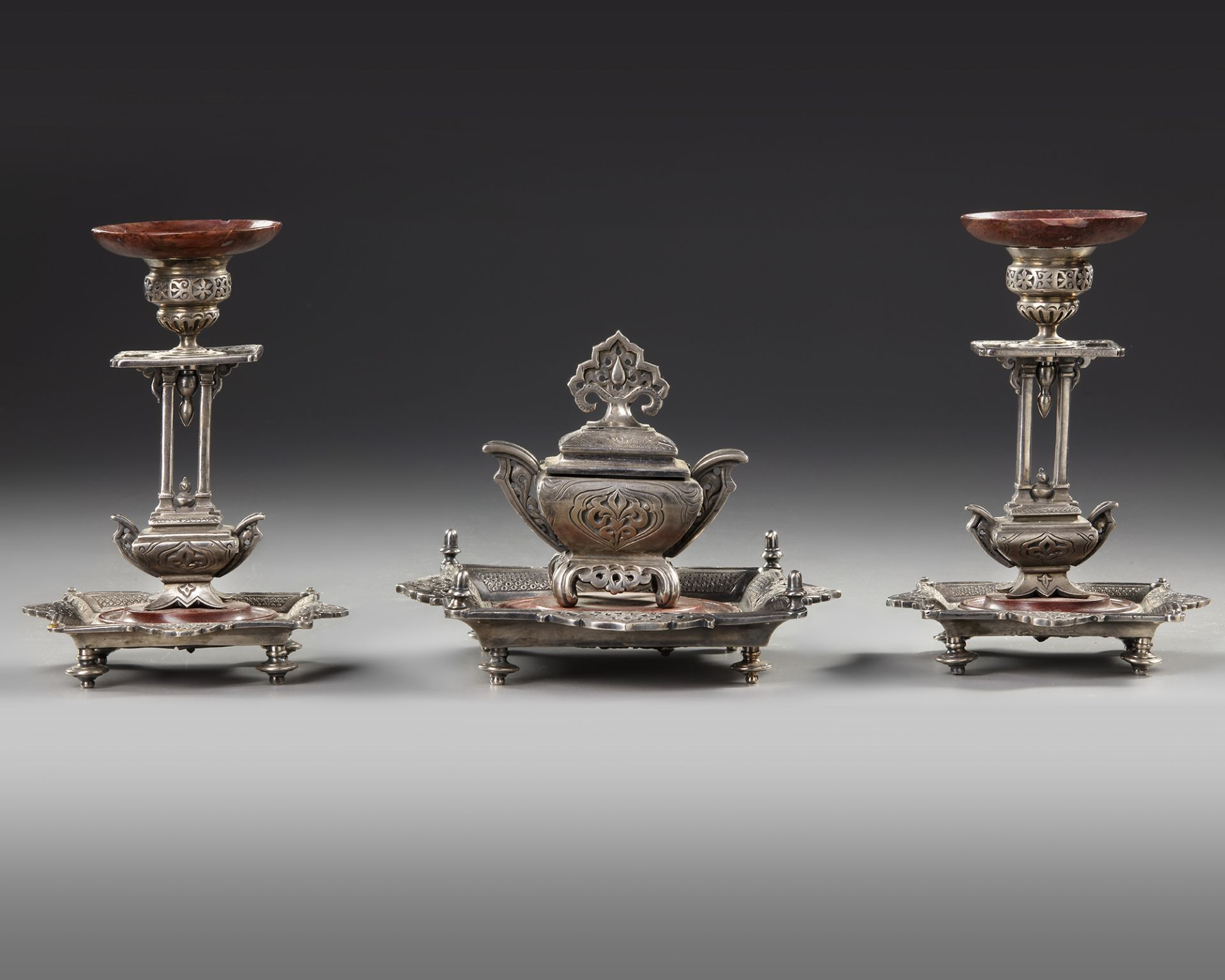 AN ORIENTAL INKWELL SET, 19TH CENTURY - Image 4 of 4