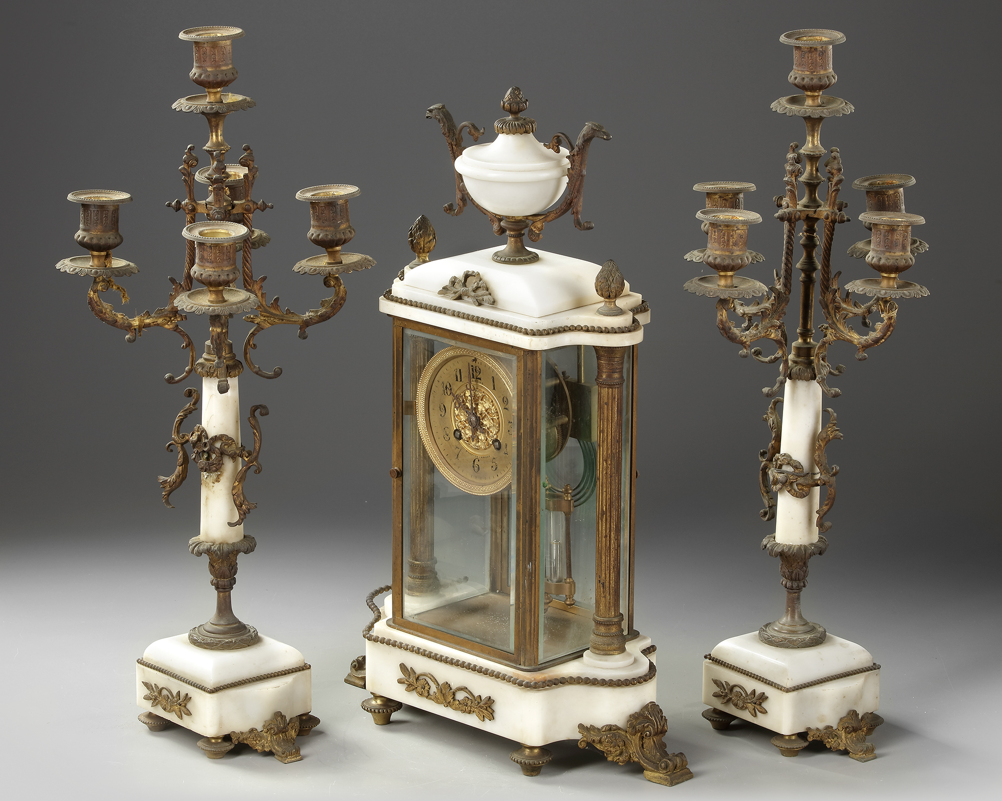 A FRENCH CLOCK SET, LATE 19TH CENTURY - Image 5 of 5