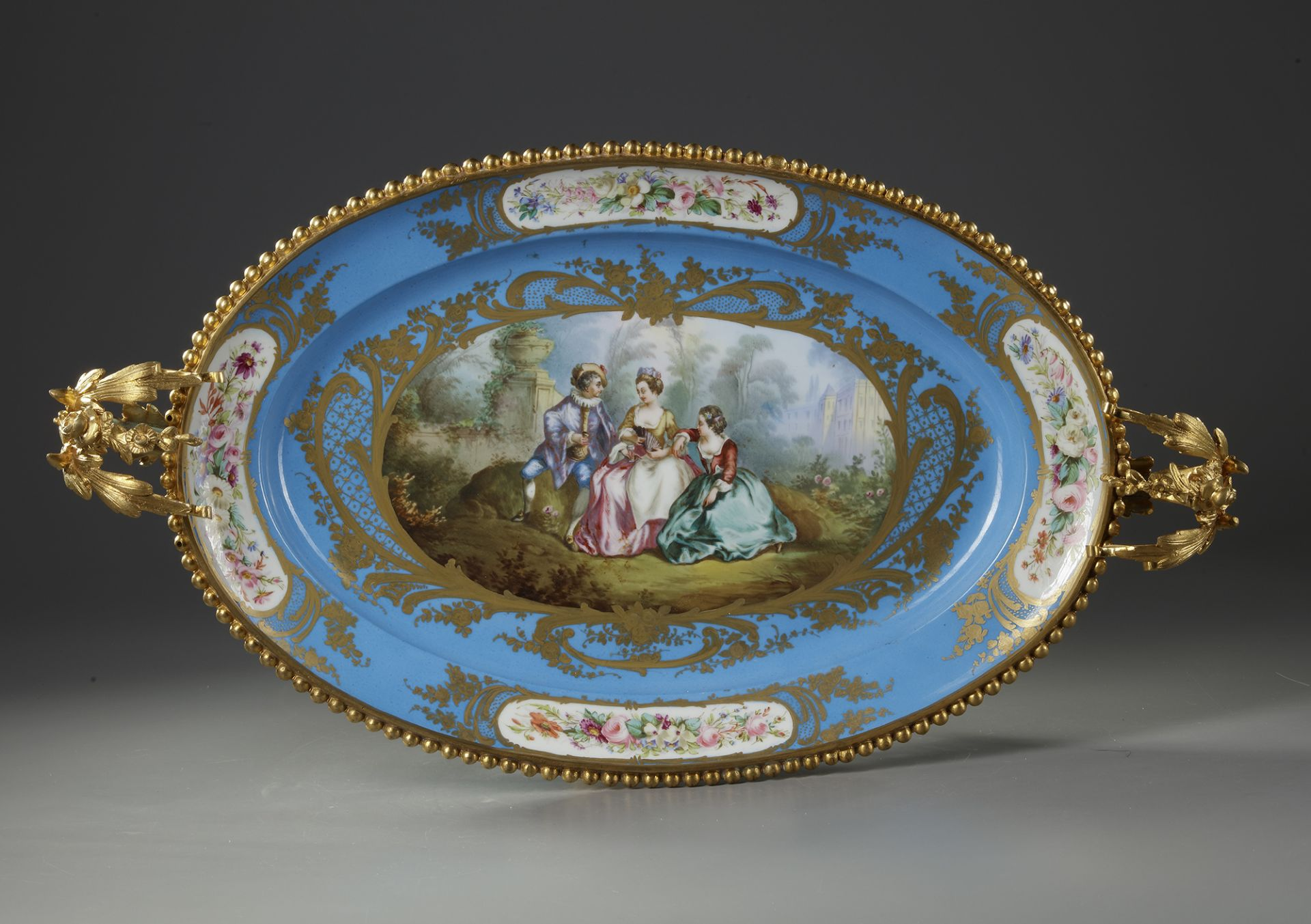 A LARGE 'SEVRES' PLATE, 19TH CENTURY - Image 3 of 5