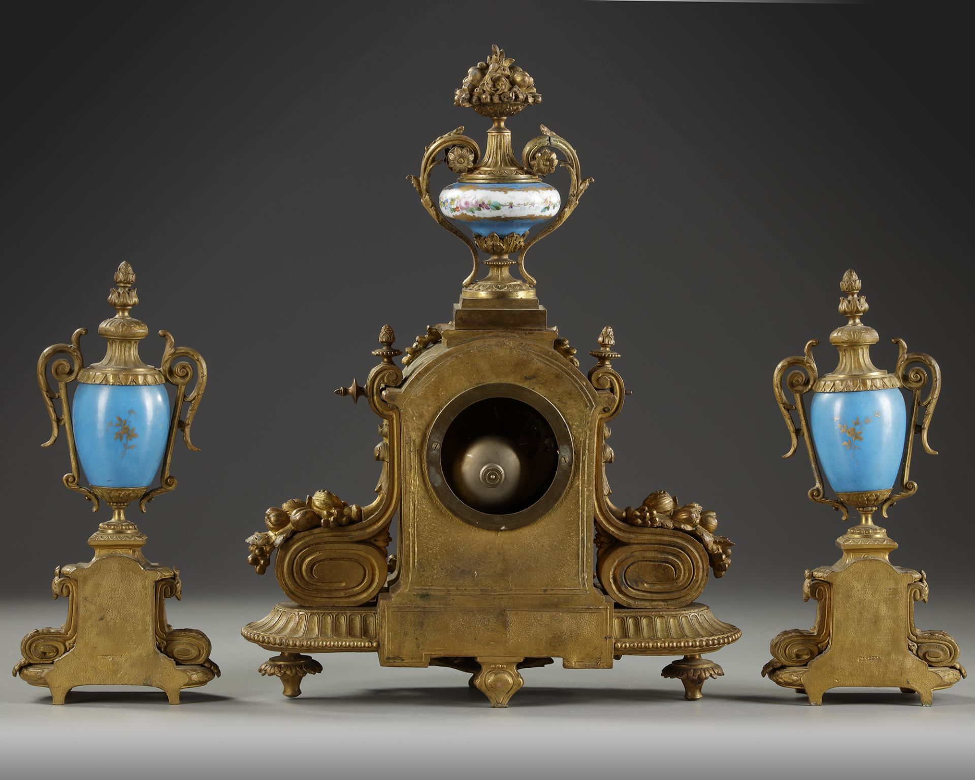 A FRENCH CLOCK SET, 19TH CENTURY - Image 3 of 3