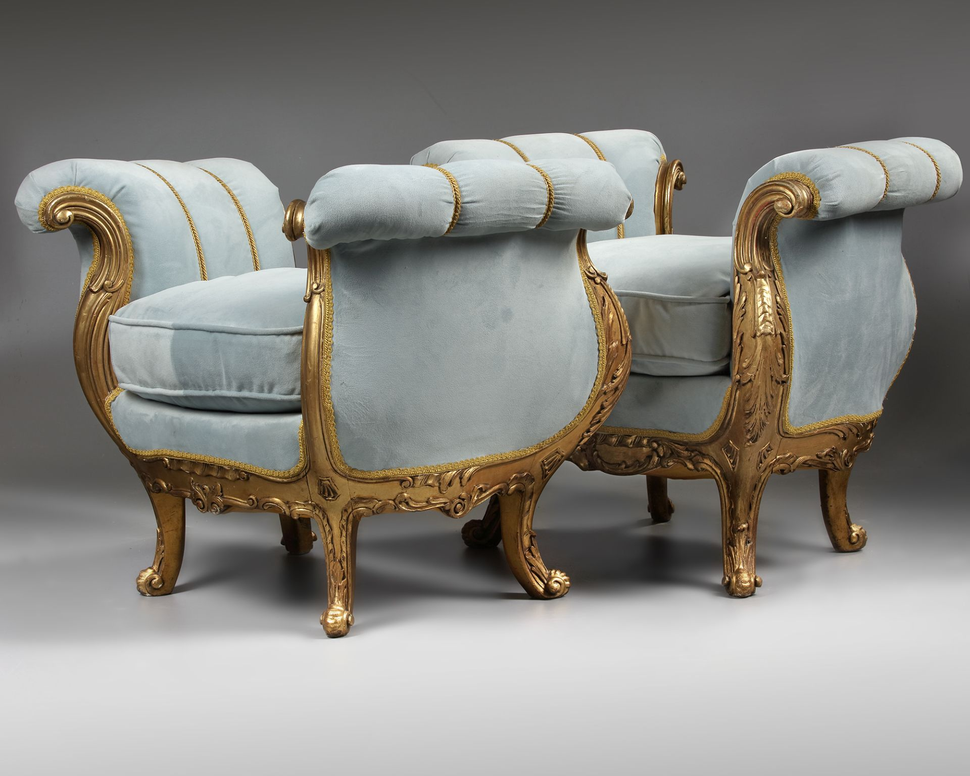 A PAIR OF FRENCH LOUIS XV STYLE GILT WOOD POUFS, LATE 19TH CENTURY - Image 2 of 5
