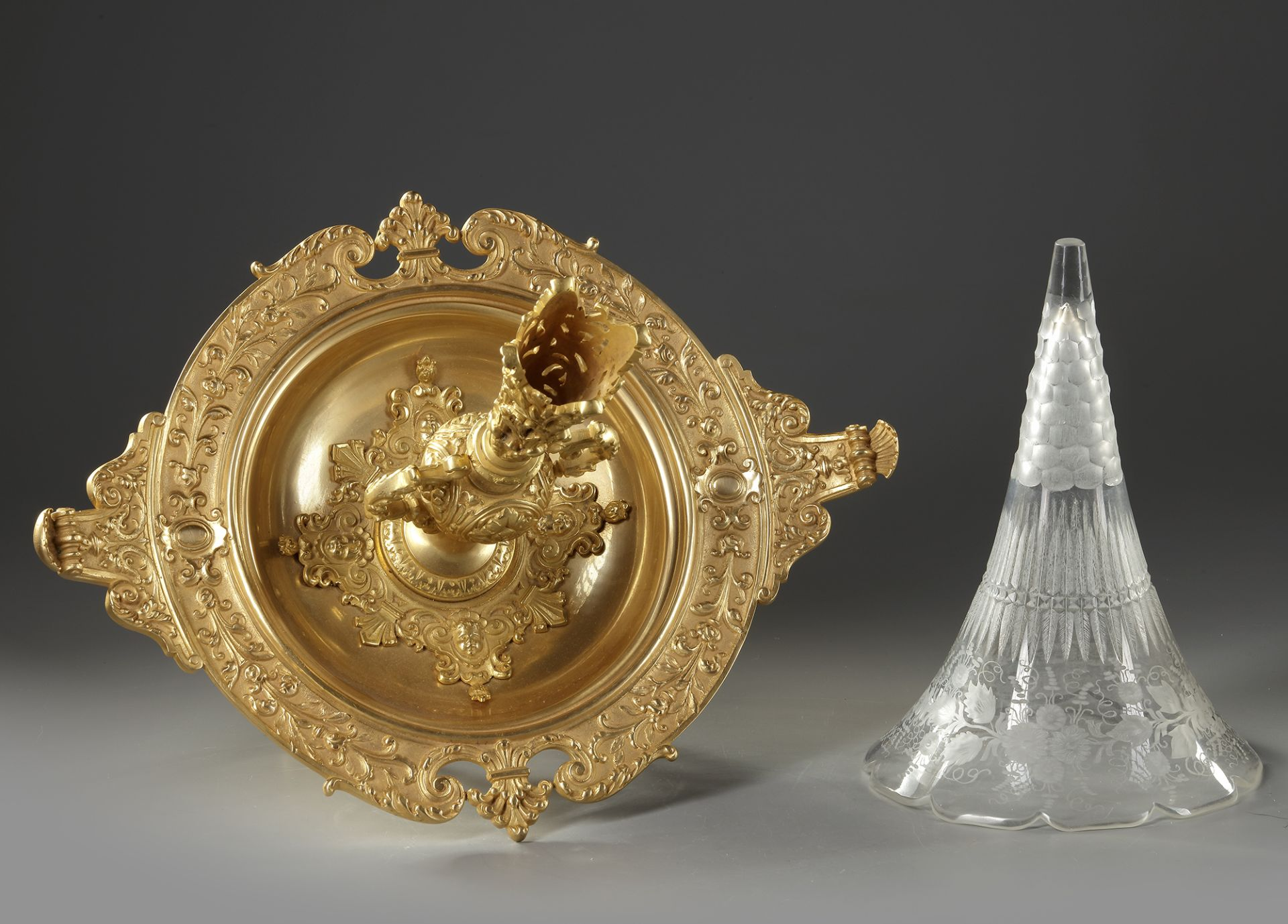 A SOLIFLORE CENTERPIECE, LATE 19TH CENTURY - Image 3 of 3