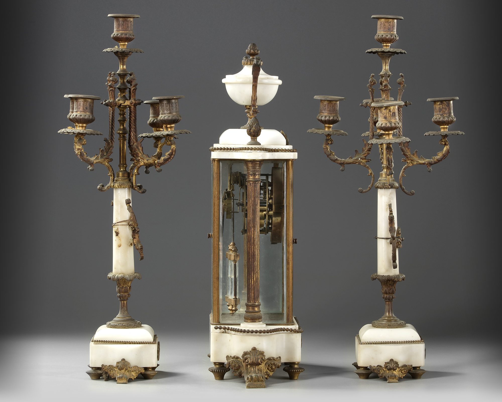 A FRENCH CLOCK SET, LATE 19TH CENTURY - Image 3 of 5