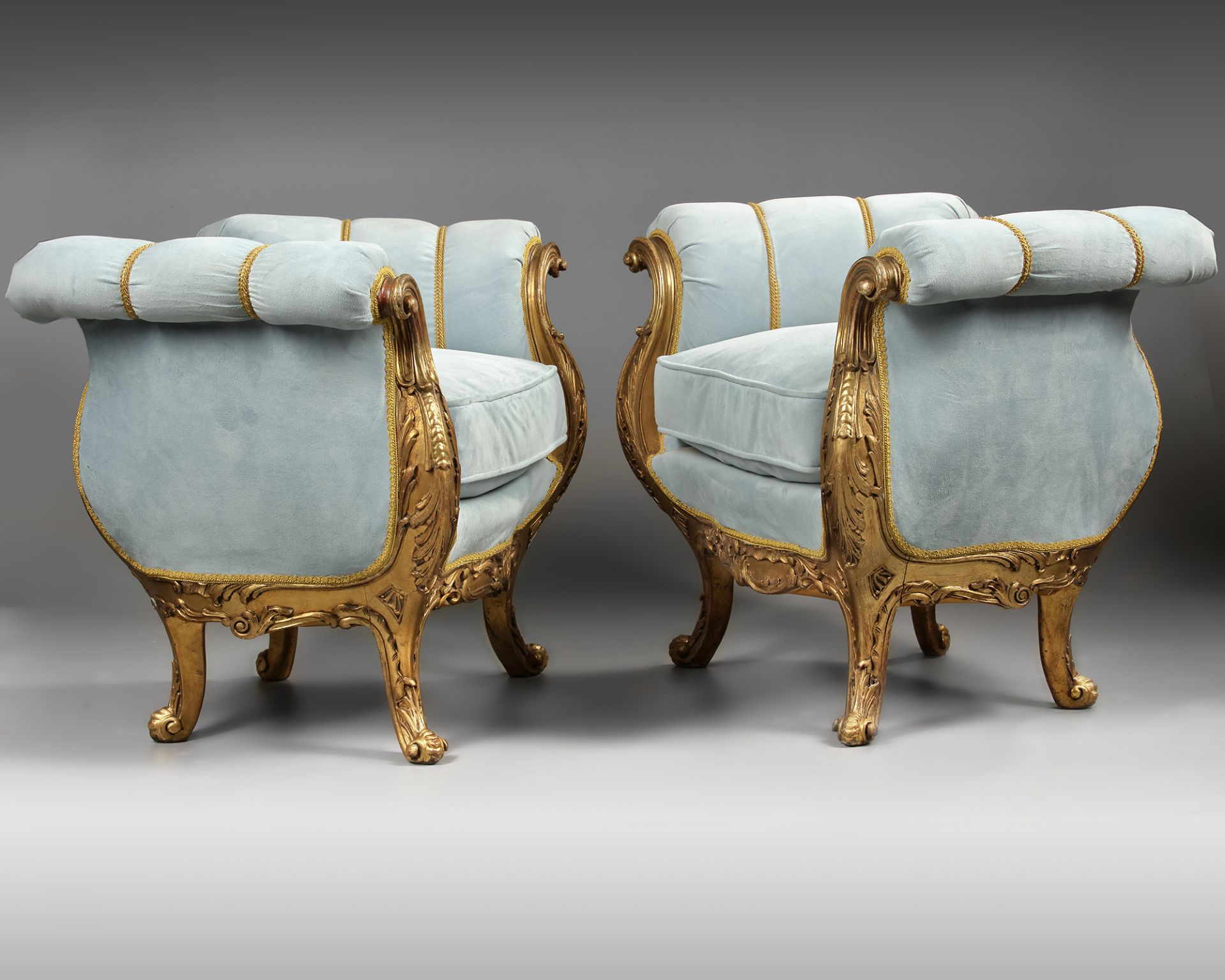 A PAIR OF FRENCH LOUIS XV STYLE GILT WOOD POUFS, LATE 19TH CENTURY