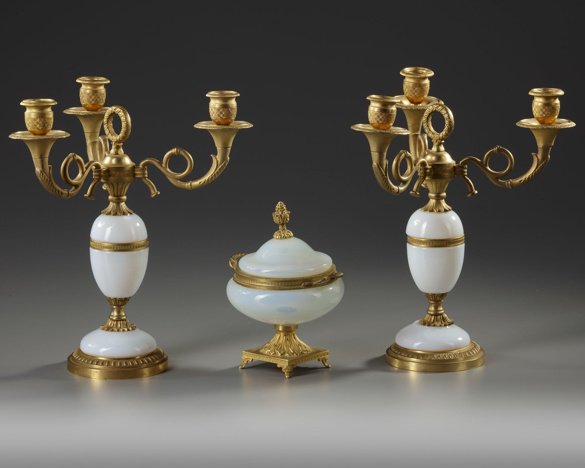 A WHITE OPALINE AND ORMOLU SET, CHARLES X, 19TH CENTURY - Image 2 of 3
