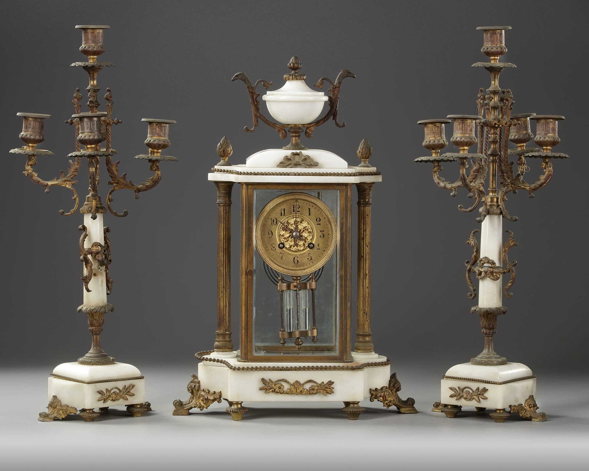 A FRENCH CLOCK SET, LATE 19TH CENTURY - Image 2 of 5