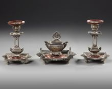 AN ORIENTAL INKWELL SET, 19TH CENTURY