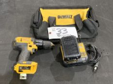 """DeWalt 1/2"""" Cordless Drill Driver w/battery, charger and bag 20v"""