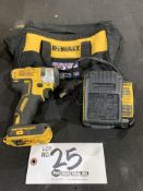 """DeWalt 1/4"""" Cordless Impact Driver w/battery and charger"""