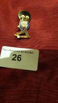 Robinson golly schred enamel badge.