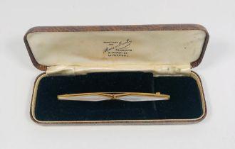 Elegant vintage gold coloured Mother of Pearl kilt pin / bar brooch.