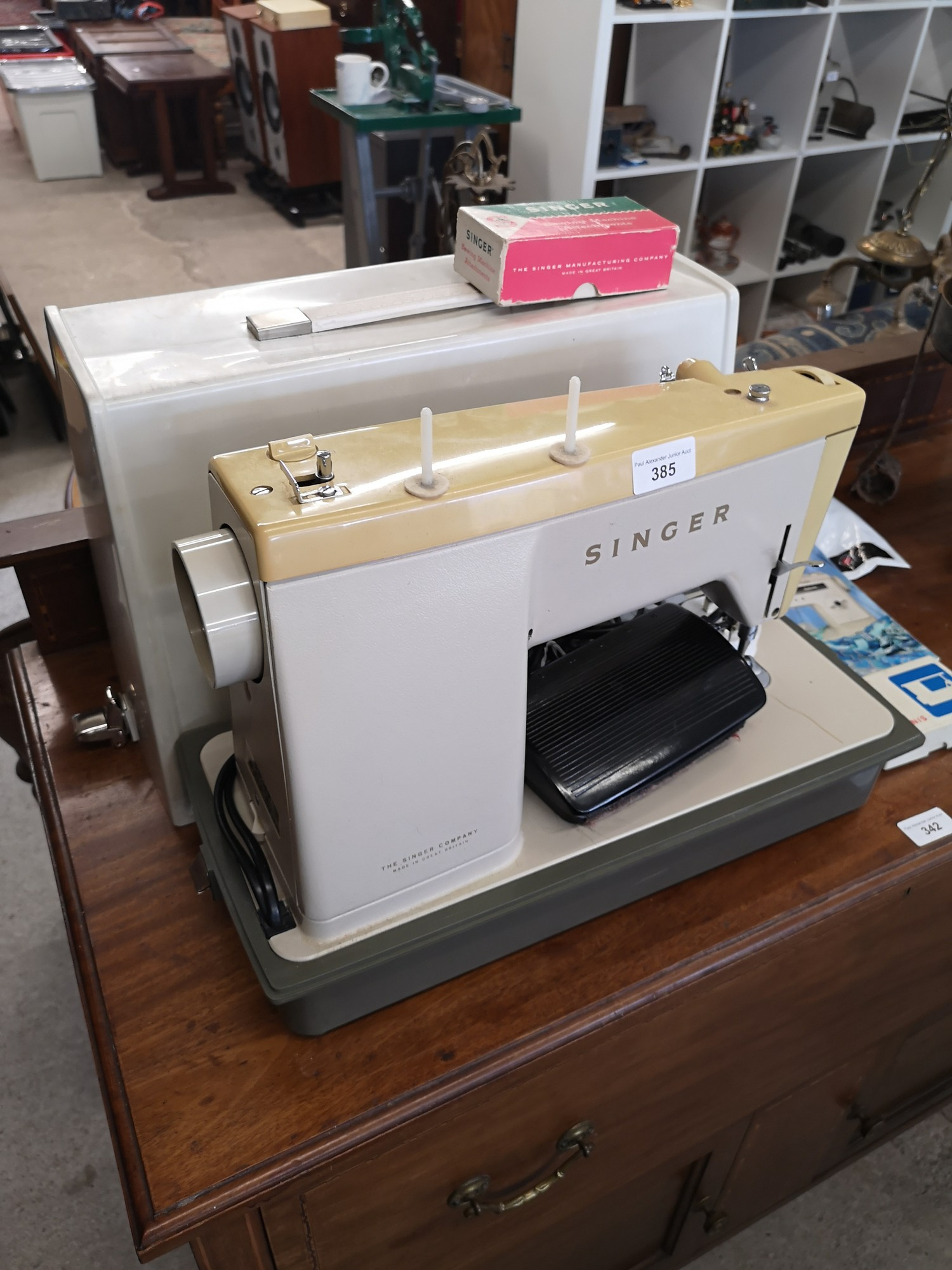 Singer modern sewing machine with accessories. - Image 2 of 2