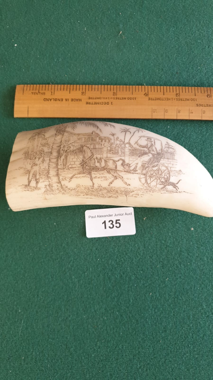 REPRODUCTION CARVED SCRIMSHAW STYLE ITEM . - Image 3 of 3