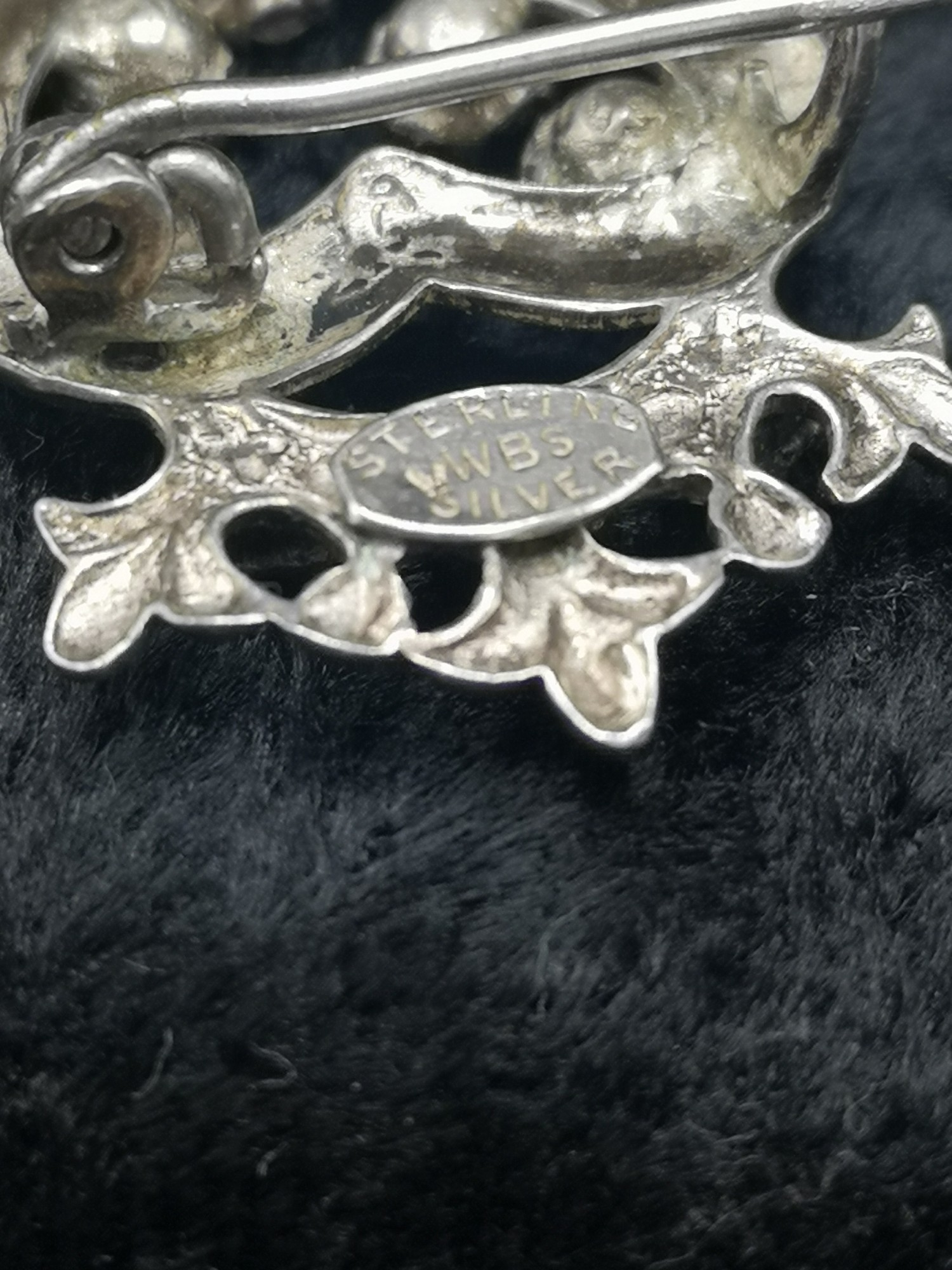 Silver Luckenbooth Brooch With Pink Stones makers wbs. - Image 3 of 3
